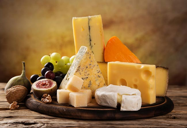cheese is a bad food to eat before going to bed