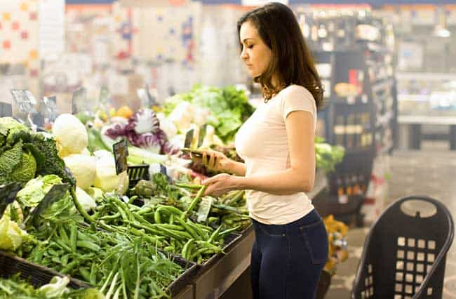 woman buying organic food